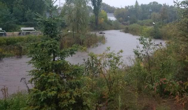 flooding chippewa creek 1 2014