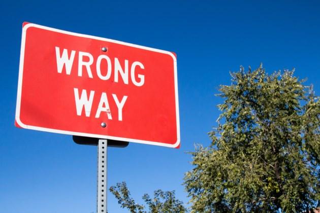 wrong way AdobeStock_95416703 2017