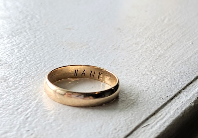 Hey Kamloops, does the name 'Hank' ring a bell? (Because this wedding ring was found)