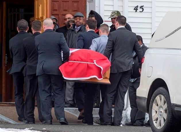 desmond-funeral1