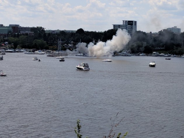 2018-07-30-Boat-fire-AB