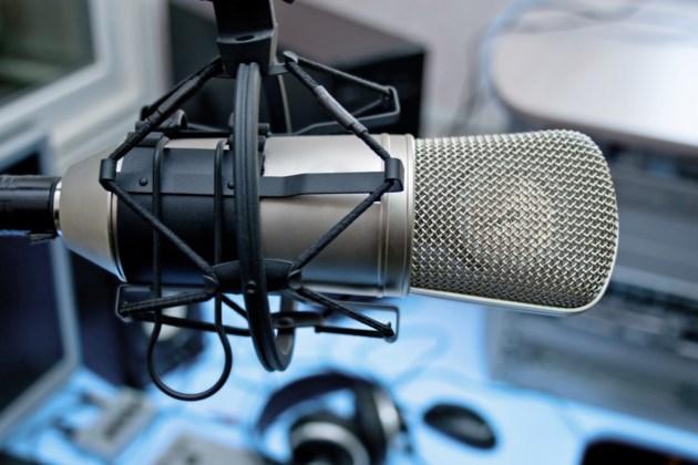 microphone podcast radio
